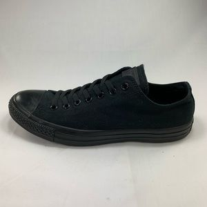 Converse Chuck Taylor Low - All Black - Size 10